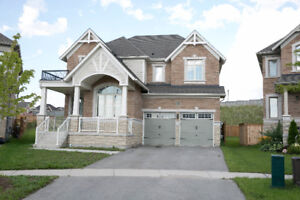 Home For Rent in Alliston 2900 SQ FEET 4 Bedrooms + 4 Washrooms