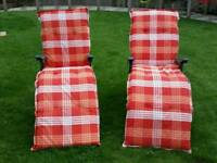 2 outdoor reclining chairs (loungers)