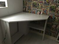 White corner desk like brand new
