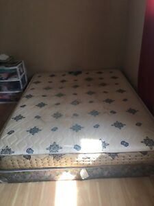 Free queen size bed set