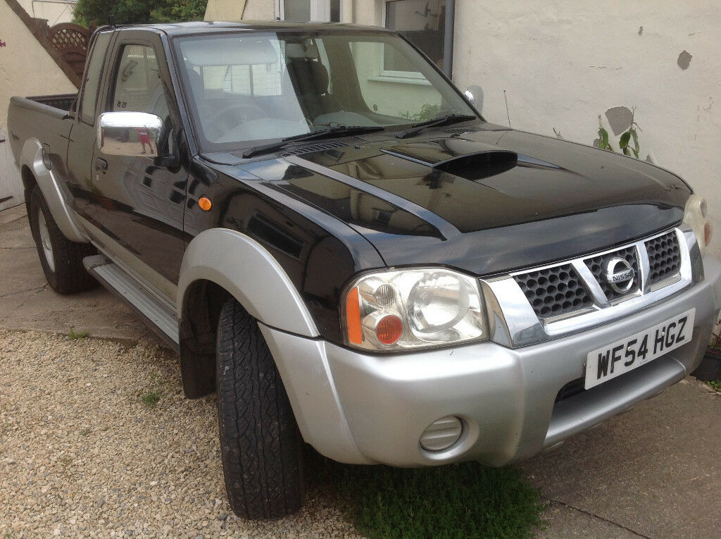 2004 54 nissan navara pick up 2 5di 4x4 recent engine clutch change 2 owners 9mths mot. Black Bedroom Furniture Sets. Home Design Ideas