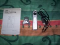 3-in-1 digi camera/web cam with software-100k pixels-vgc-in box-with accessories