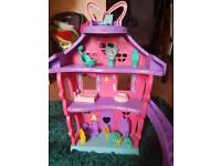 Minnie Mouse house and kitchen