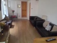 1 x Large Double (£90pw all inc) + 2 X Small Doubles (£80pw all inc) in fully renovated house.