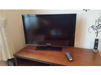 """32"""" LED TV with remote - Polaroid -"""