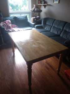 Beautiful Light oak table solid pick up today for 120.00