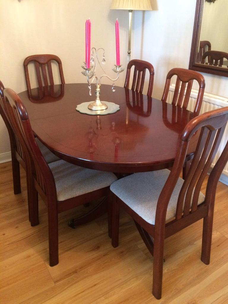 EXTENDING MAHOGANY (oval) DINING TABLE & 6 CHAIRS Grab A ...