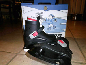 Bauer Lil Champ boy skate size 8. Almost new.