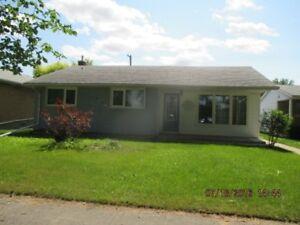 Lansdowne Avenue - 3 Bedroom House for Rent