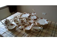1962 Royal Albert Old Country Roses Dinner service