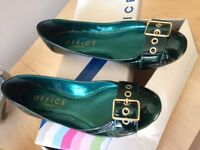 Womens flat pumps size 39