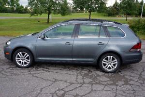 2010 Volkswagen Golf Comfortline Wagon w Extended Warranty
