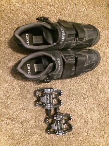 Bike clip pedals with clip shoes