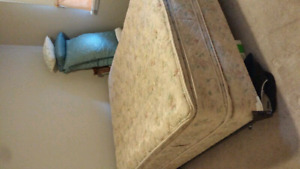 Nice Queen Boxspring only today 40.00