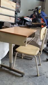 Elementary School Desk Set