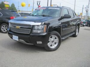 2009 CHEVROLET AVALANCHE Z71   Crew Cab • Loaded •