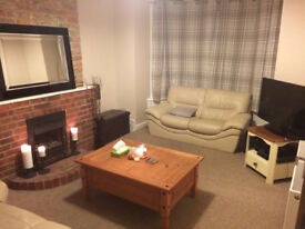 Double bedroom in spacious modern house in North End/Copnor - £395 including bills