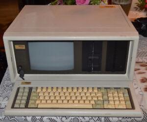 Vintage 1980s Compaq Portable Computer Model 101709 Parts/Repair