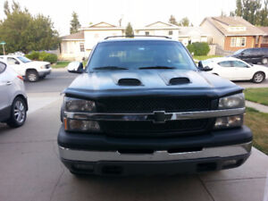 2004 Chevrolet Avalanche Pickup Truck - Very Good Condition