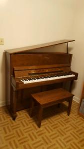 Piano Yung Chang PE-118 (Pramberger)