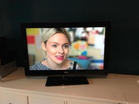 LG TV 32inch