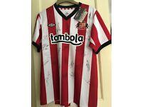 Signed Sunderland top
