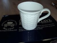 Brand new in box set of 6 Aynsley Basketweave white bone china mugs