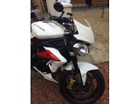 Triumph street triple R 675 ..immaculate condition