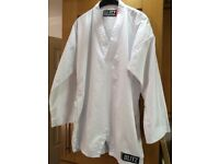 Adult martial arts suit 170cm. Excellent condition. Only worn 3 times