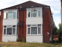 2 Bed Flat 252 Broadlands Road** Available Now**