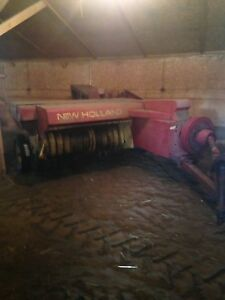 Square baler with thrower