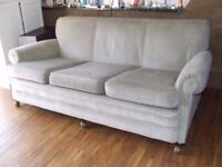 SOFAS 3 SEATER AND 2 ARM CHAIRS EXCELLENT CONDITION FREE EDINBURGH DELIVERY