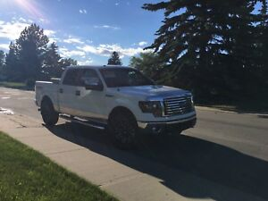 2012 F150 XLT SUPERCREW ONLY 87,000 KMS