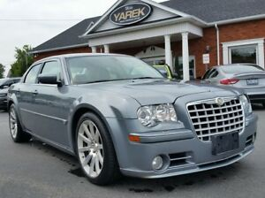 2006 Chrysler 300C C SRT8 HEMI, NAV, Sunroof, Heated Seats, DVD,