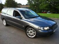 2004 VOLVO V70 SE DIESEL MANUAL ESTATE MOT OCTOBER . VERY GOOD CONDITION THROUGHOUT