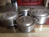 4 saucepans