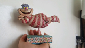 WALY DISNEY CHESHIRE CAT FIGURINE