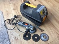 Wickes 115mm angle grinder with discs and case