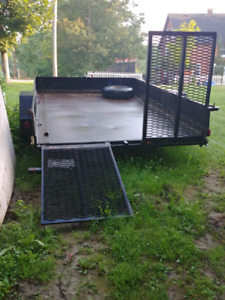 Selling good strong trailer