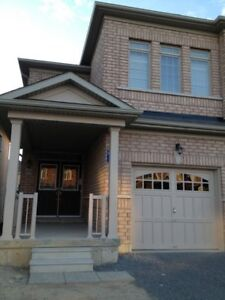 4 BEDROOMS, 21/2 BATHS-SEMI-DETACHED-AVAILABLE-SEPT 15, 17
