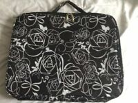 "Laptop case Tavel Bag to fit up to a 17"" Laptop Brand New"