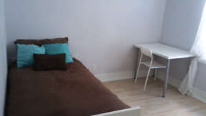 Move in ready! Perfect for student! Parfait pour étudiant!