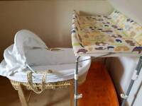 Moses basket and changing unit