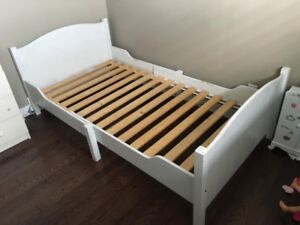Child's Extendable Bed Frame with Slatted Bed Base