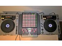 PAIR OF PIONEER CDJ-800 CD DECKS