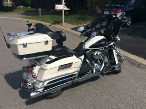 Harley Davidson 2012 FLHTC excellent condition