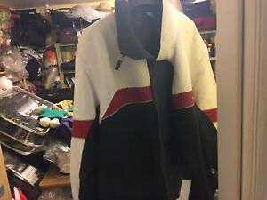 Nike winter jacket like new Size Large