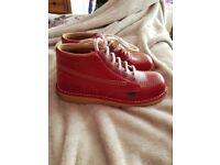 Kids unisex brand new Red Kickers size 2.5