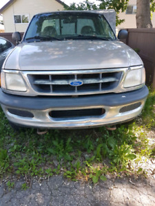 97 Ford F-150 ** PRICE REDUCED** $1000 OBO