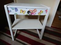 selling bedside tables and a chest of drawers